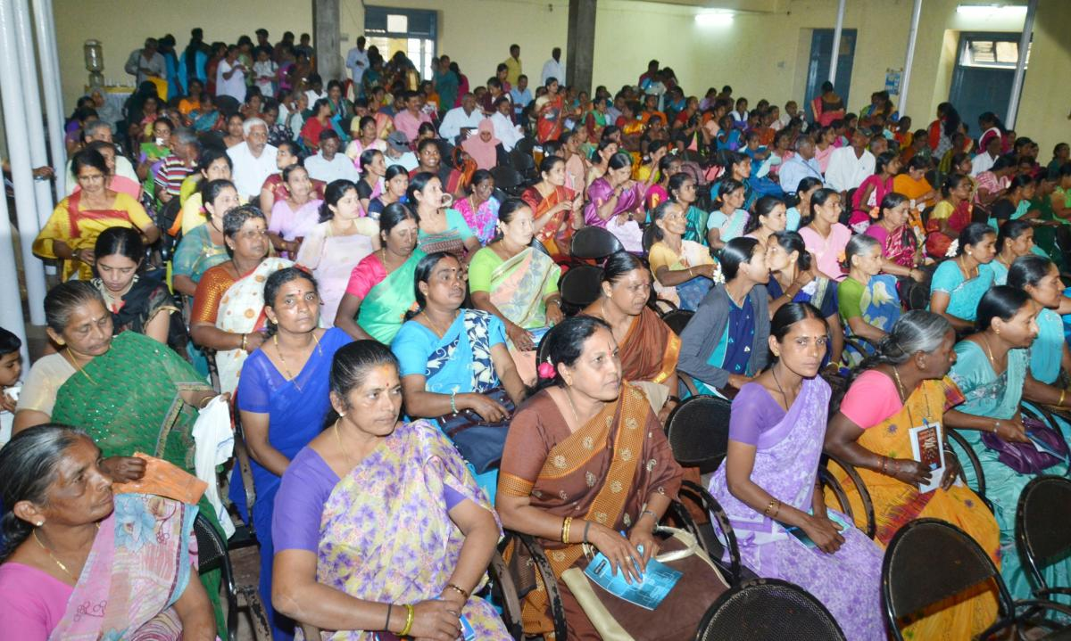 People take part in a programme on water conservation, organised jointly by Central Ground Water Board and Ministry of Water Resources River Development and Ganga Rejuvenation, held at Kaveri Kalakshetra in Madikeri on Friday.