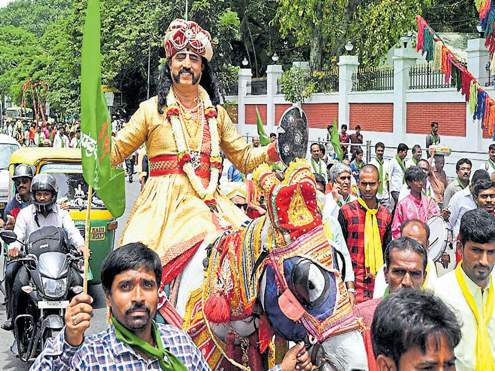 Govt to instal Kempegowda statue near airport