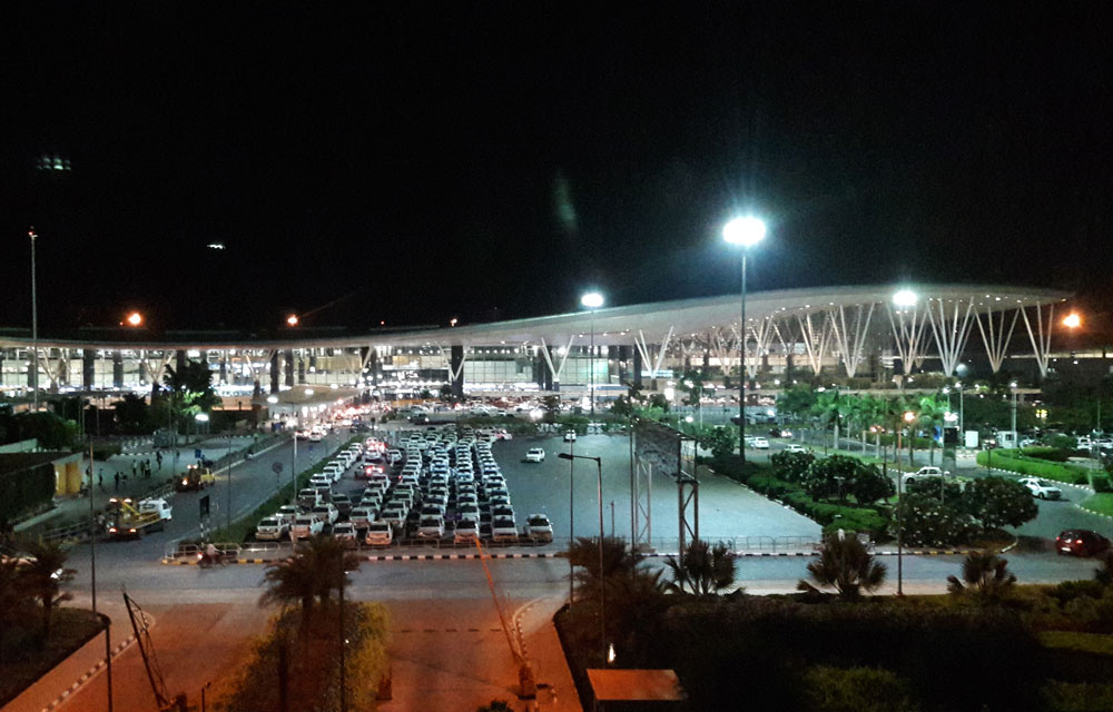 KIA's operator, the Bangalore International Airport Ltd (BIAL) had urged AERA to retain the existing UDF rates till 2021. It had contended that any reduction at this stage would jeopardise the airport's planned project. (DH File Photo)