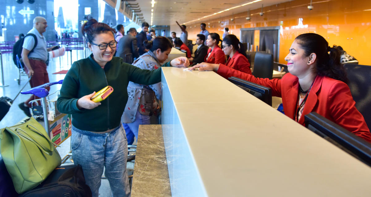 The Bengaluru international airport has clocked around 33 per cent growth in passenger traffic in the June quarter at over eight million, the airport operator said on Monday. (DH file photo)