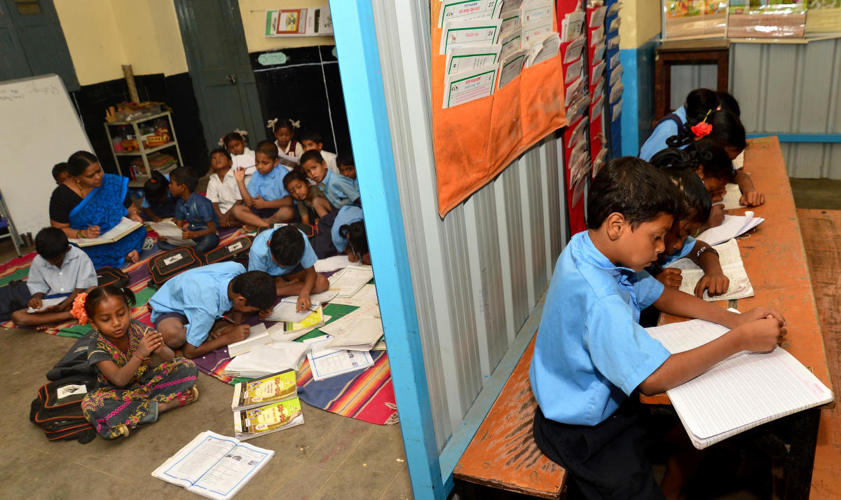The Cabinet on Wednesday approved an amendment to the RTE rules, with which these children can avail RTE reservation in a private school only if there is no government school located in their neighbourhood. (DH File Photo for representation)