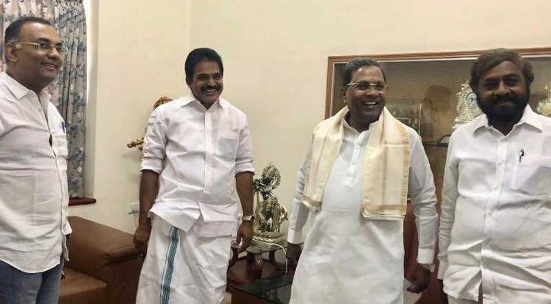 Congress leaders including AICC General Secretary and Karnataka in charge, K C Venugopal, KPCC president Dinesh Gundu Rao, party's working president Eshwar Khandre and Deputy Chief Minister G Parameshwara met Siddaramaiah at his official residence Cauvery, to take stock of the Belagavi impasse. (DH Photo)