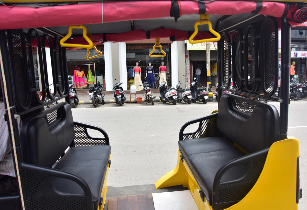 A trip on the e-rickshaws will cost Rs 5. (DH File Photo)