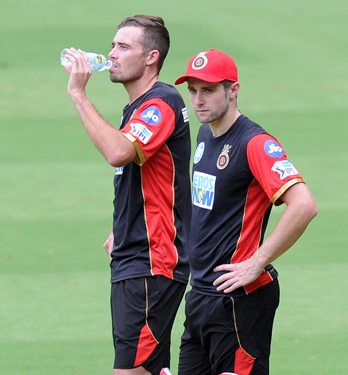 RCB pacemen Tim Southee (left) and Chris Wokes during a practice session at the M Chinnaswamy Stadium in Bengaluru on Monday. DH Photo/ Srikanta Sharma R