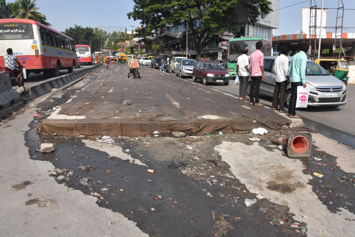 As Mysuru Road is jammed, commuters rail at BBMP
