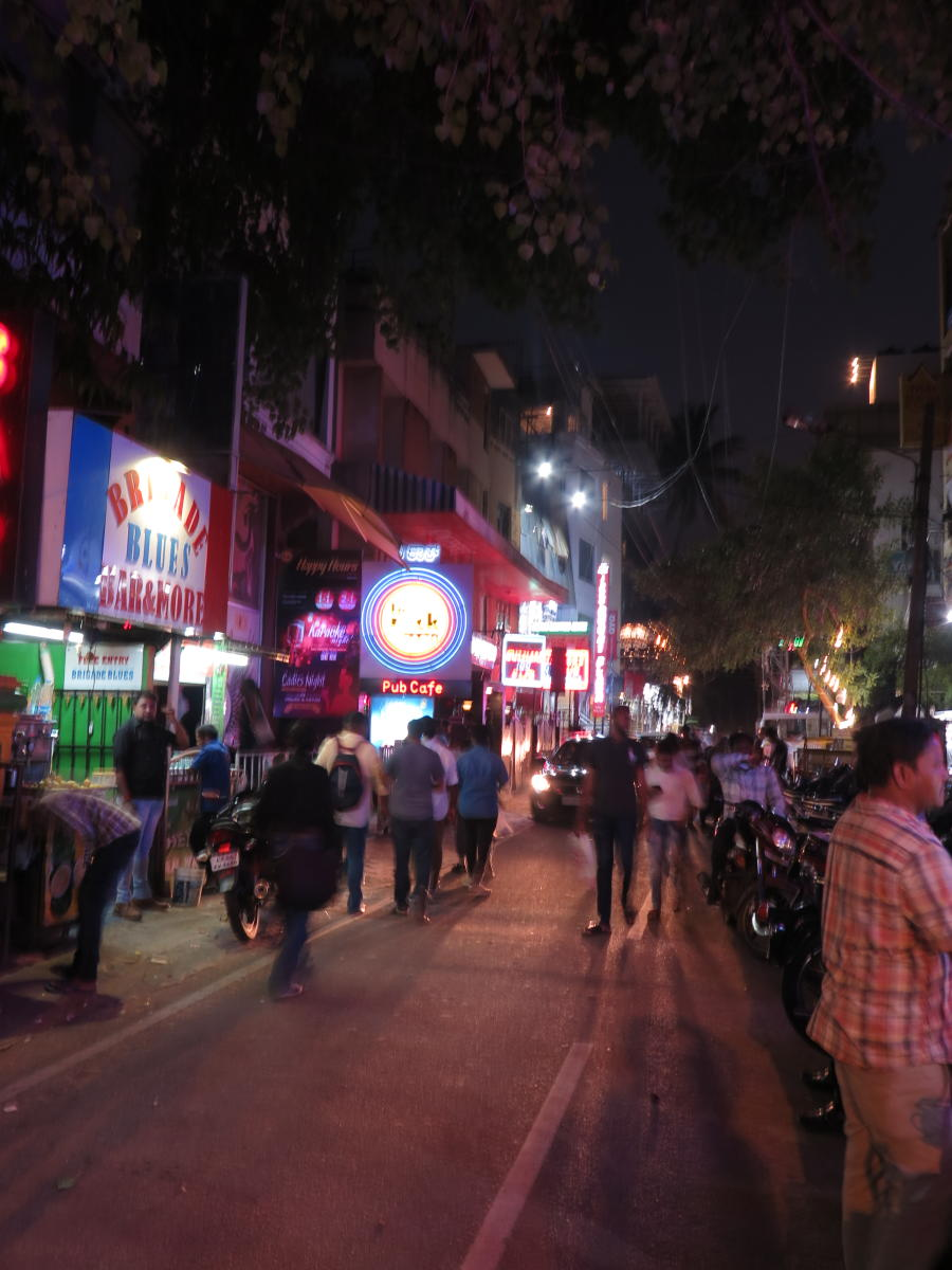 In city pubs, tobacco rule goes up in smoke