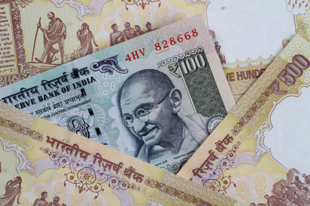 Demonetised currencies of Rs 1.26 cr face value seized