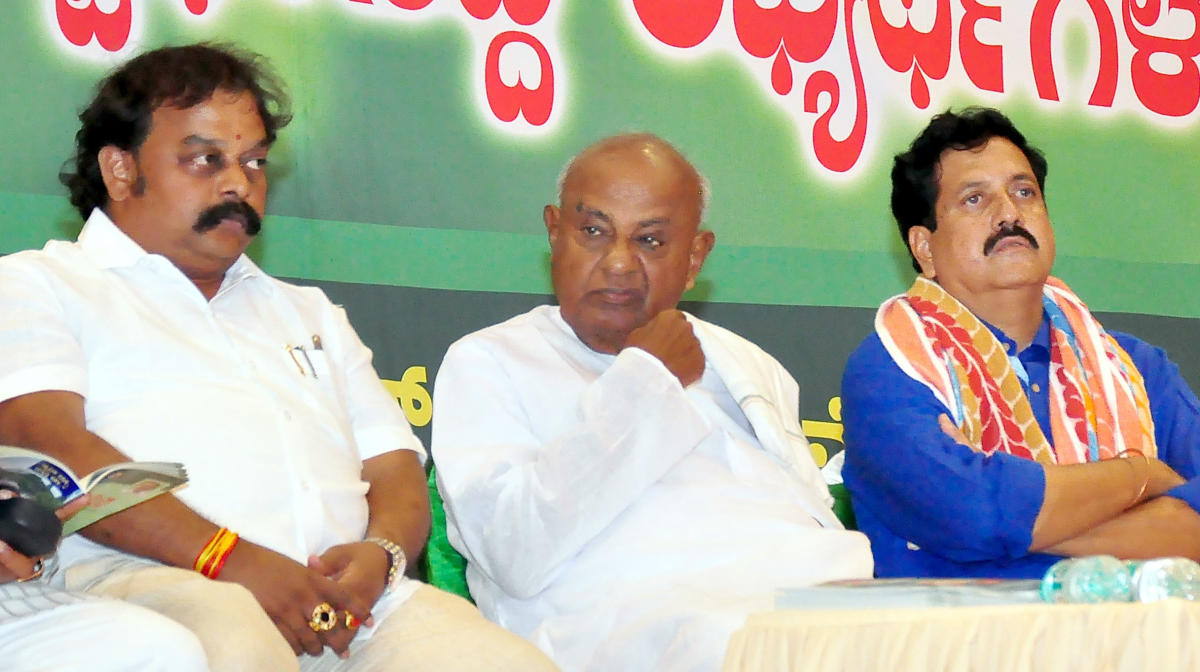 Gowda predicts elections, cloud on govt