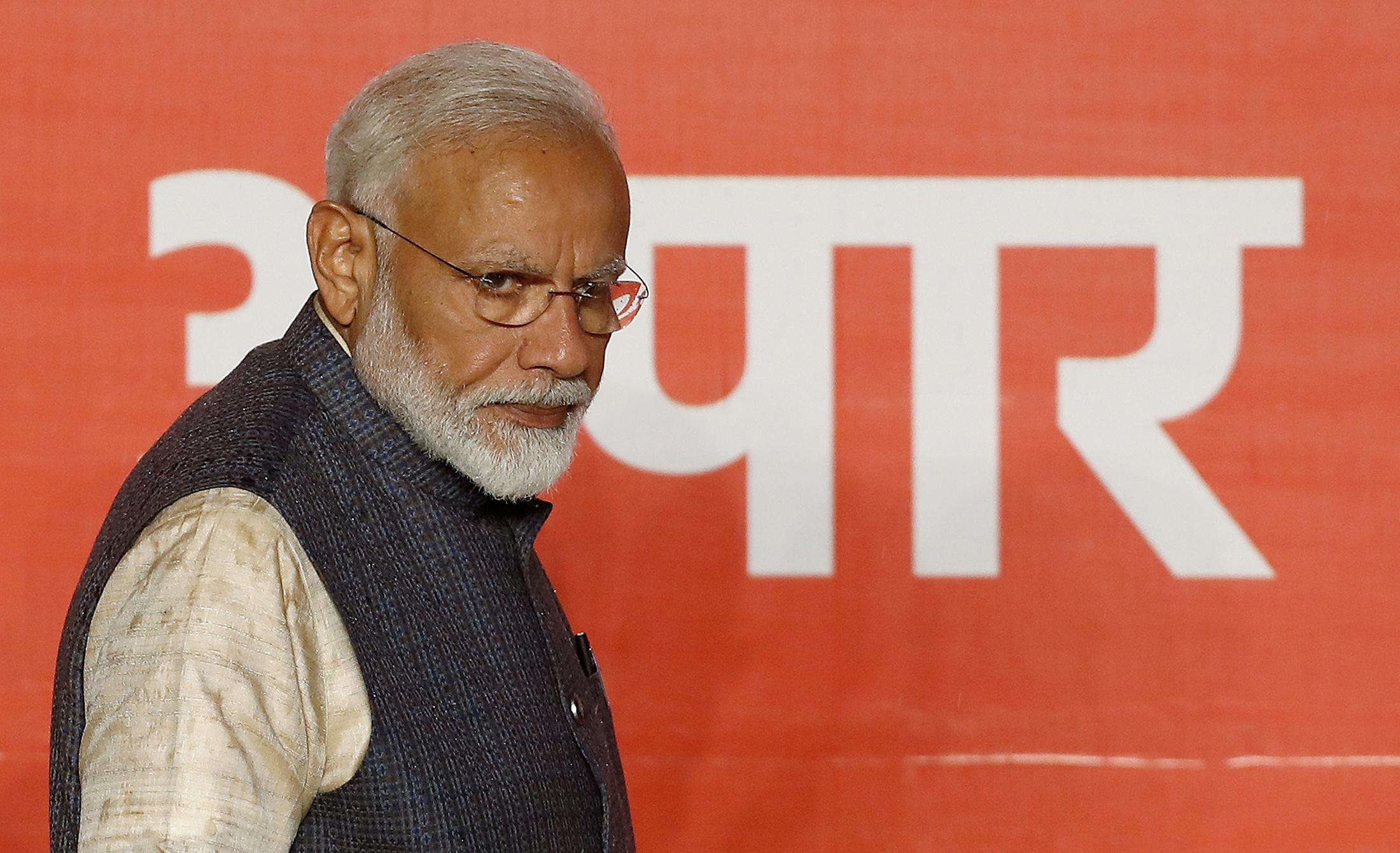 Modi cautions Union Mins against skipping roster duties