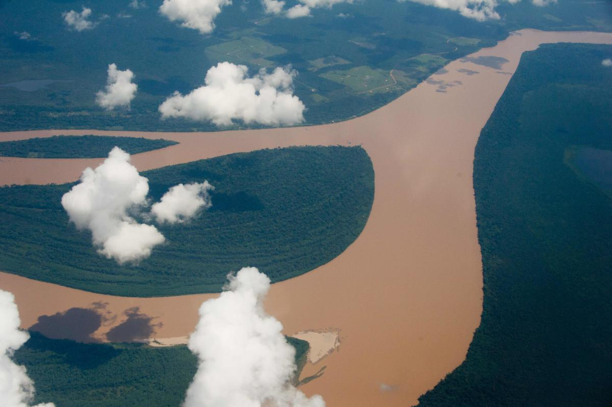 (FILES) This file picture taken on December 12, 2013 shows an aerial view of the Amazon river in the Brazilian state of Amazonas on December 12, 2013. Brazil's Protected Areas of the Amazon (Arpa) programme, the world's largest conservation initiative for