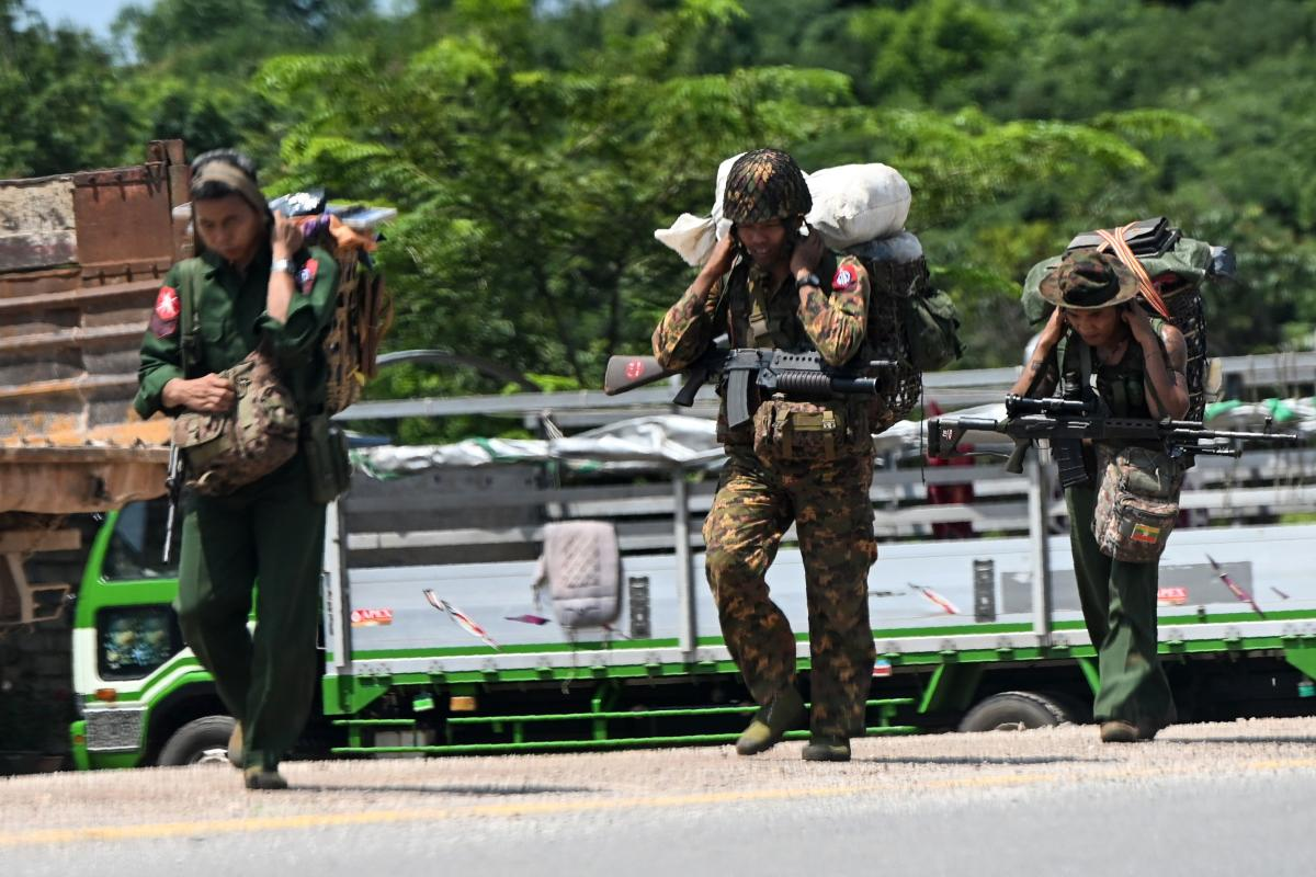 Myanmar army and rebel clashes, thousands homeless | Deccan Herald