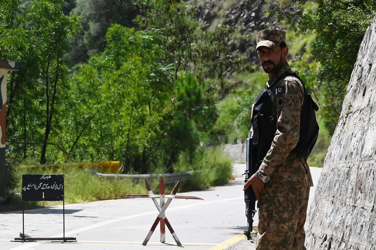 J&K: Pakistan violates ceasefire along LoC in Poonch