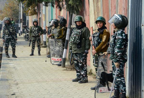 J&K: Confusion prevails as life limps back to normalcy