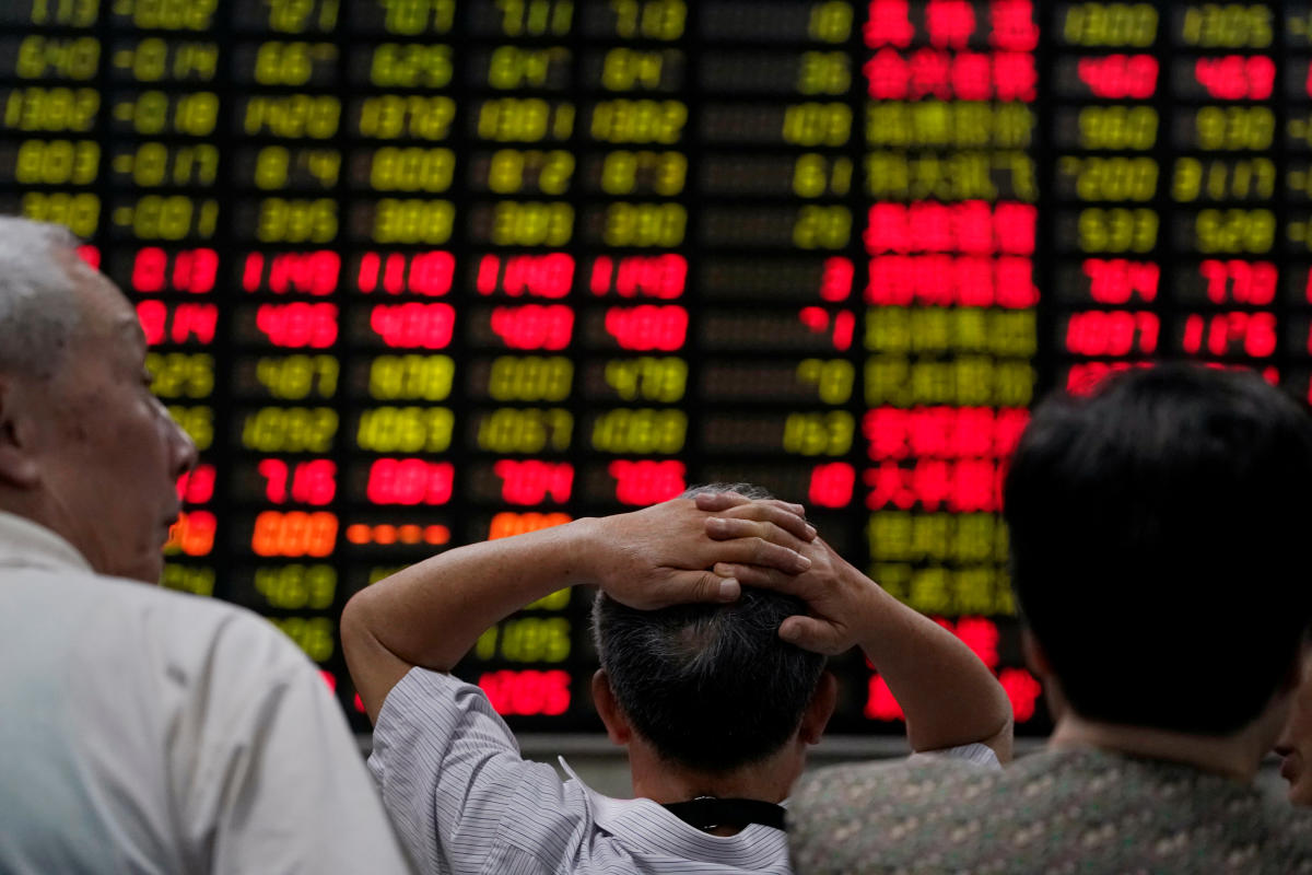The figures showed Chinese stocks were worth USD 6.09 trillion, compared with USD 6.17 trillion in Japan.