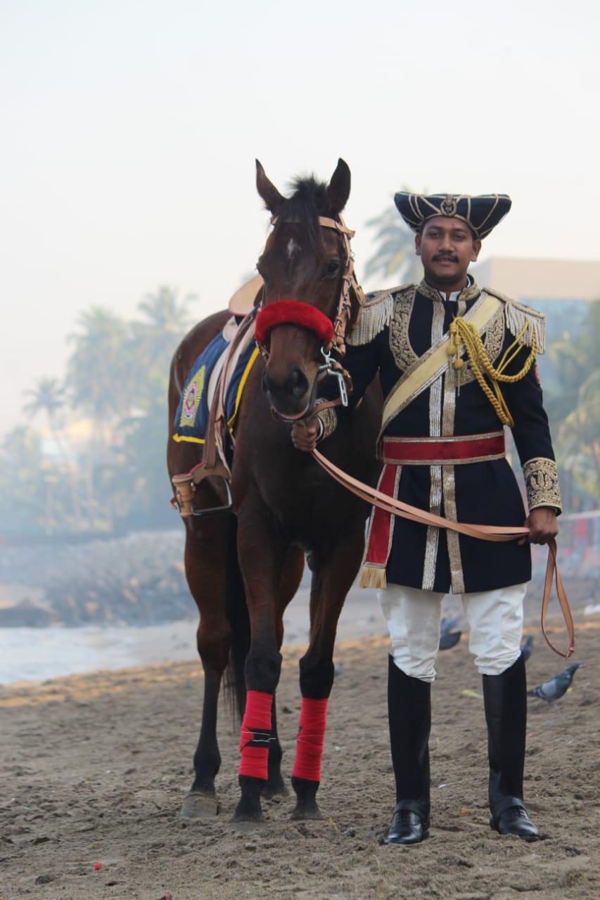 Mumbai S Mounted Police Make A Comeback Wearing Manish Malhotra Deccan Herald