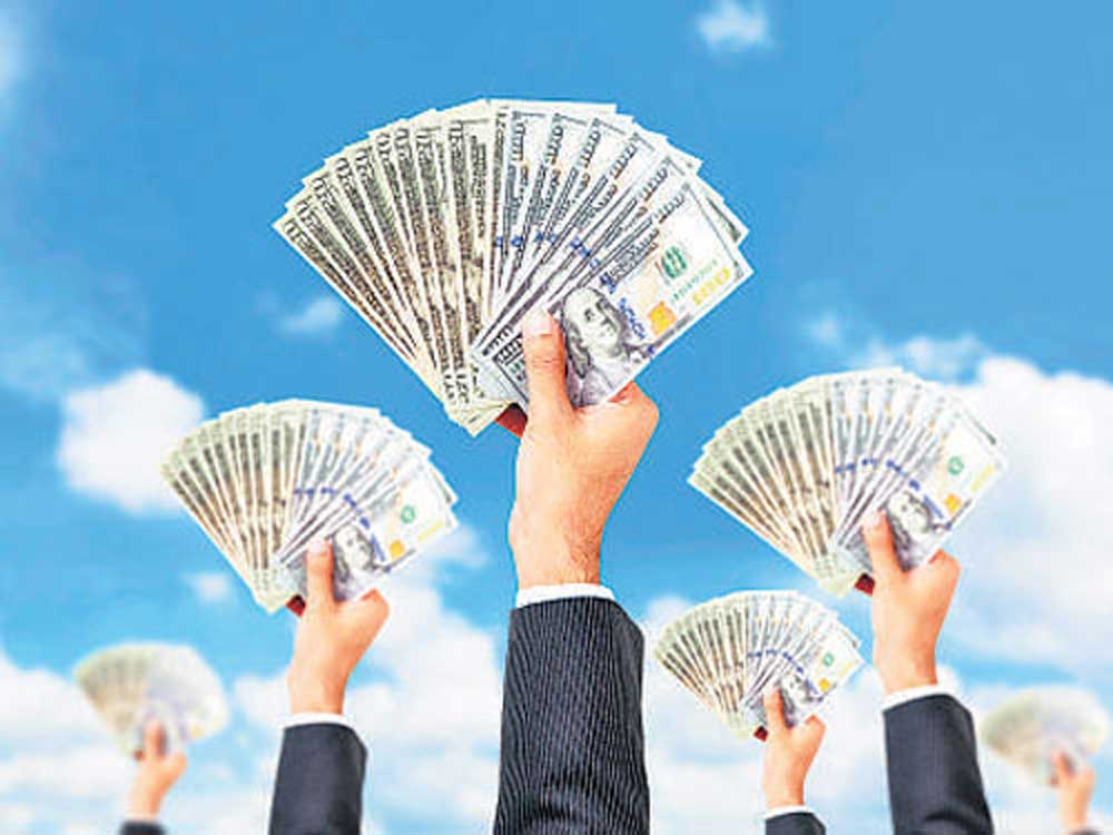 According to data available with the depositories, FPIs withdrew a net amount of Rs 5,880 crore during January 1-25.