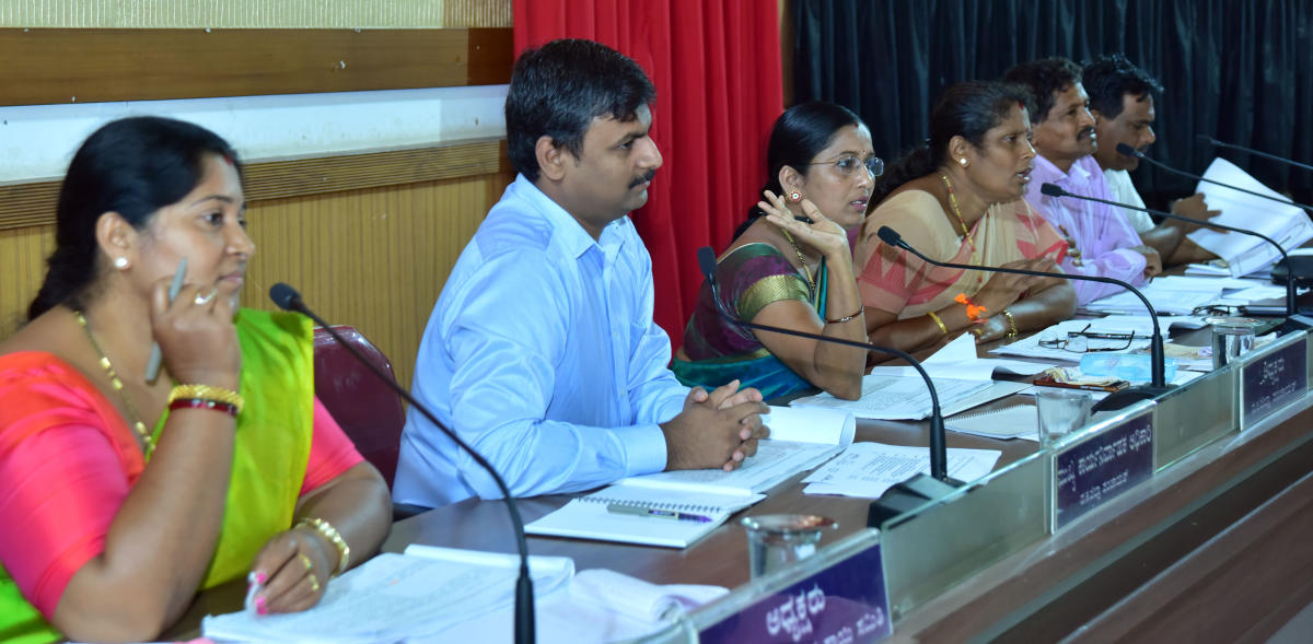 Zilla Panchayat President Meenakshi Shanthigodu speaks at zilla panchayat meeting in Mangaluru on Saturday.