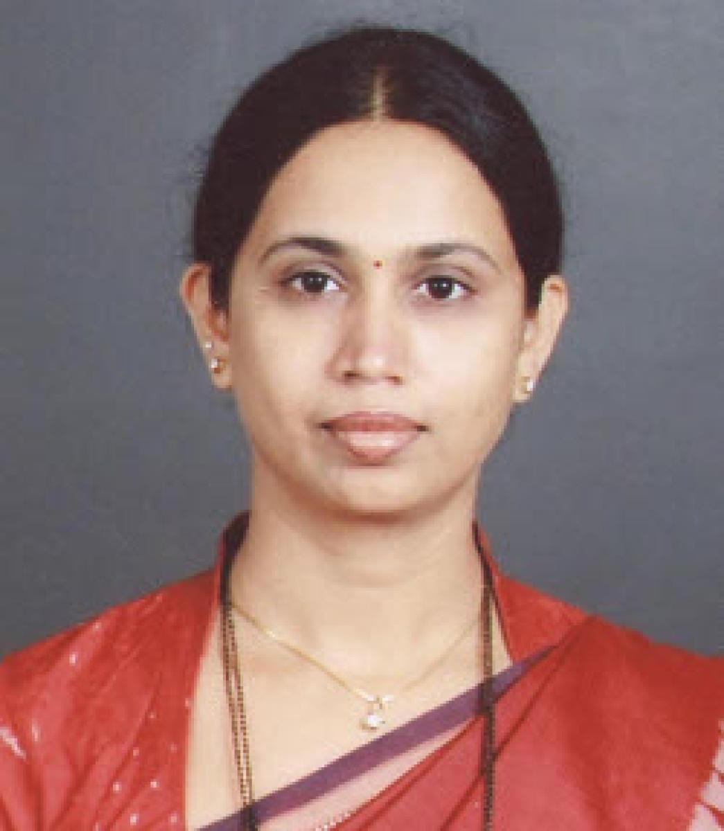 KPCC Women's Wing President Laxmi Hebbalkar