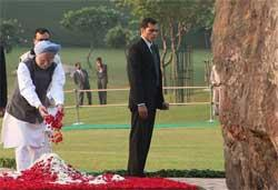 Nation remembers Indira Gandhi on 25th death anniversary