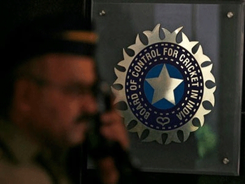 BCCI suggests three-man committee to SC to probe IPL scandal