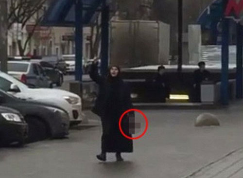 Nanny waving child's severed head detained in Moscow (Video)