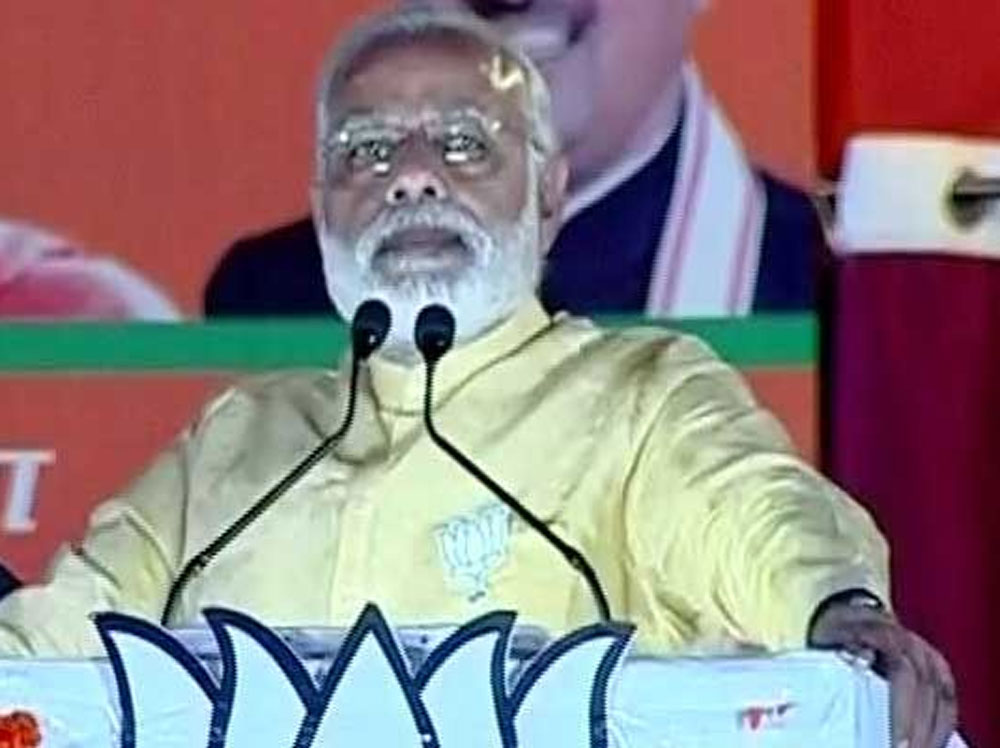 PM mocks at Akhilesh, Rahul; says they are 'delicate' people