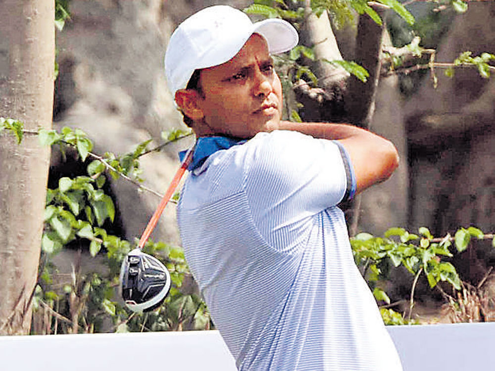 Steady Chawrasia jumps to sole lead