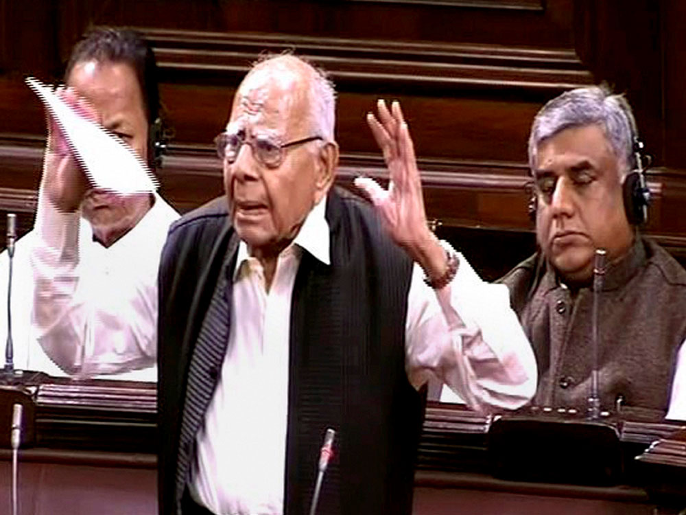 Ruckus in House after Jethmalani attacks Jaitley