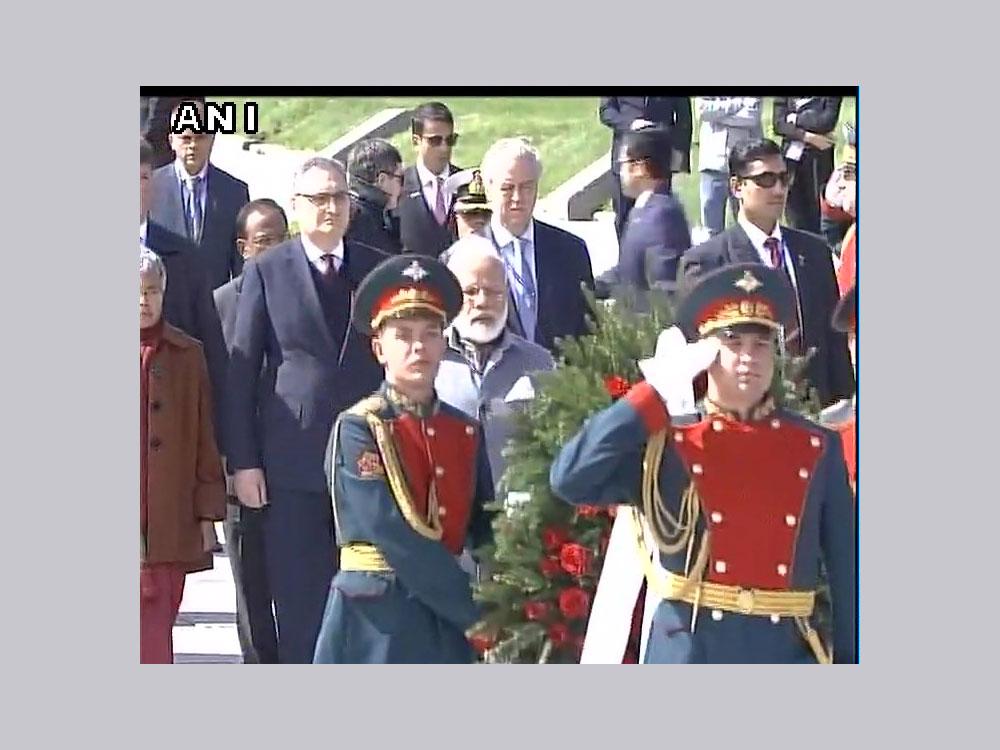 PM Modi pays floral tributes to WWII victims at Piskaryovskoye