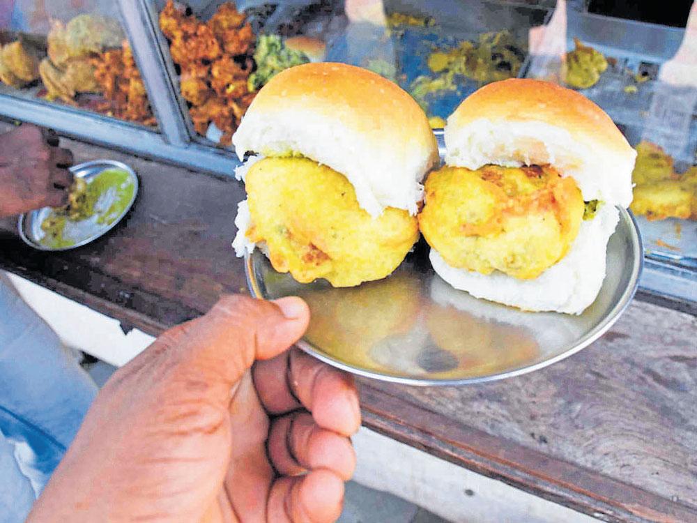 Mouth-watering foodstuff of Mumbai