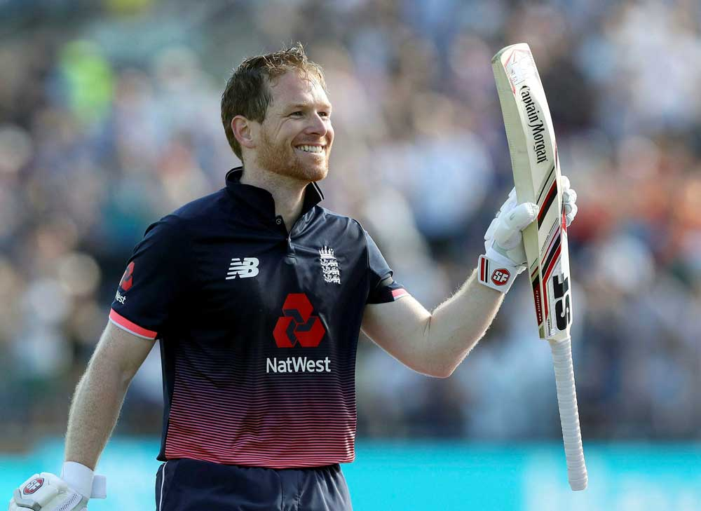 Morgan heaps praise on bowlers