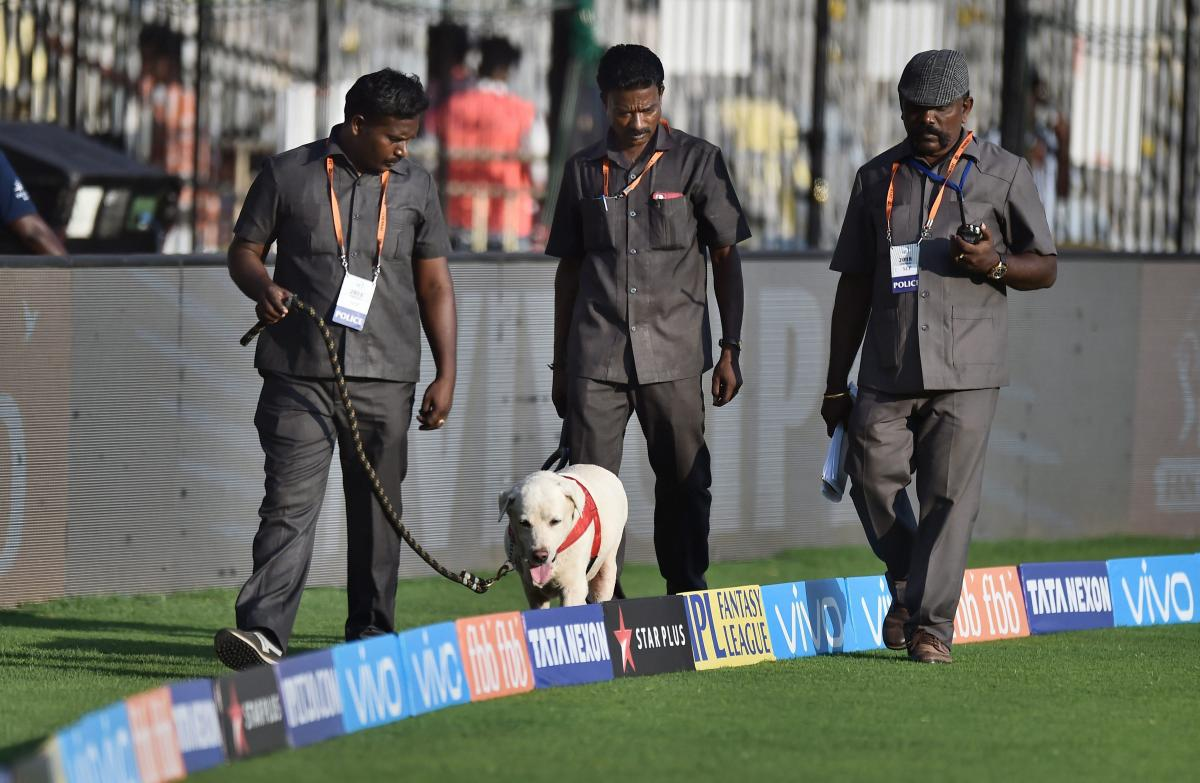 Cauvery issue: Tamil outfit threatens to let loose snakes during IPL matches
