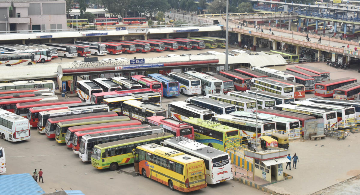 The otherwise busy Majestic wore a deserted look on Monday during the nationwide bandh called by the Congress and other parties against the rising fuel prices. DH PHOTO/JANARDHAN B K