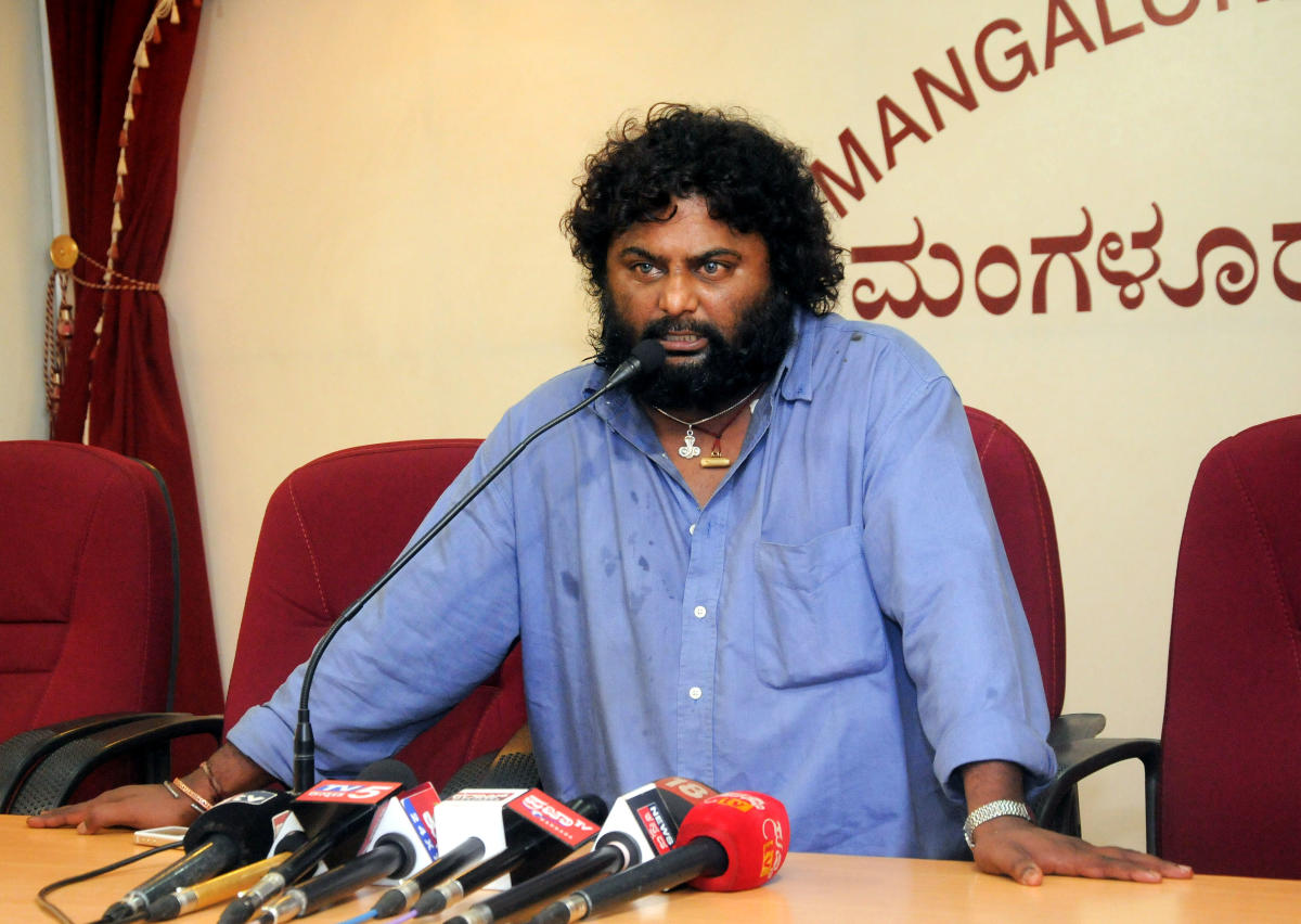 Film actor and director Huccha Venkat during the press conference in Mangaluru on Wednesday.