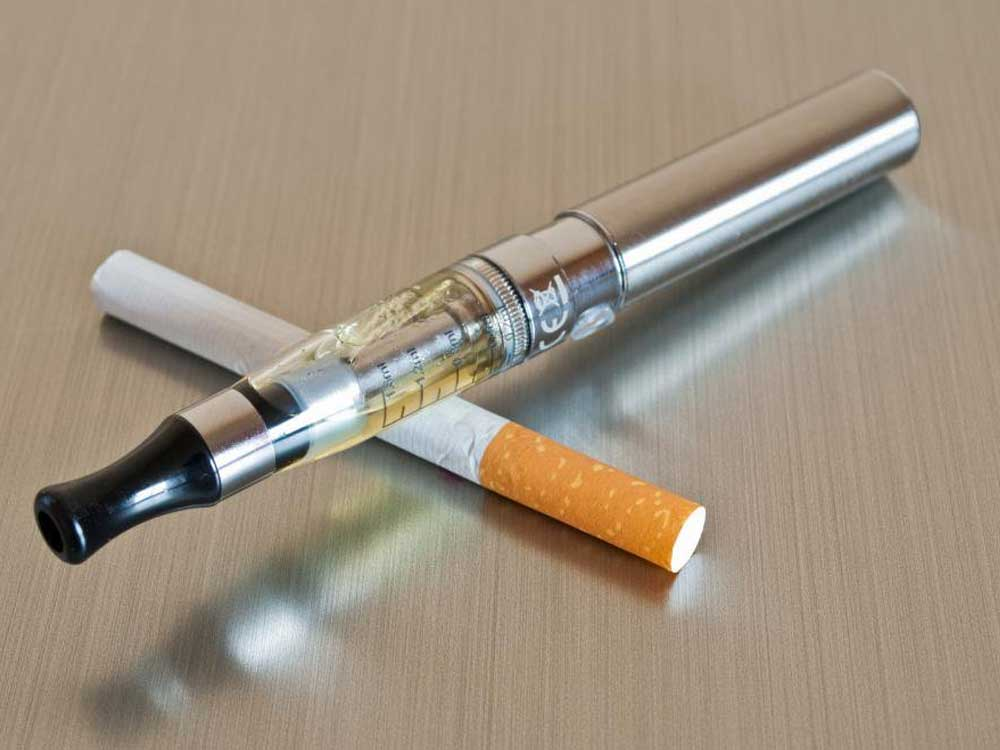 e-cigarettes are hand-held devices which help to create the feeling of tobacco smoking. Image Courtesy:Twitter