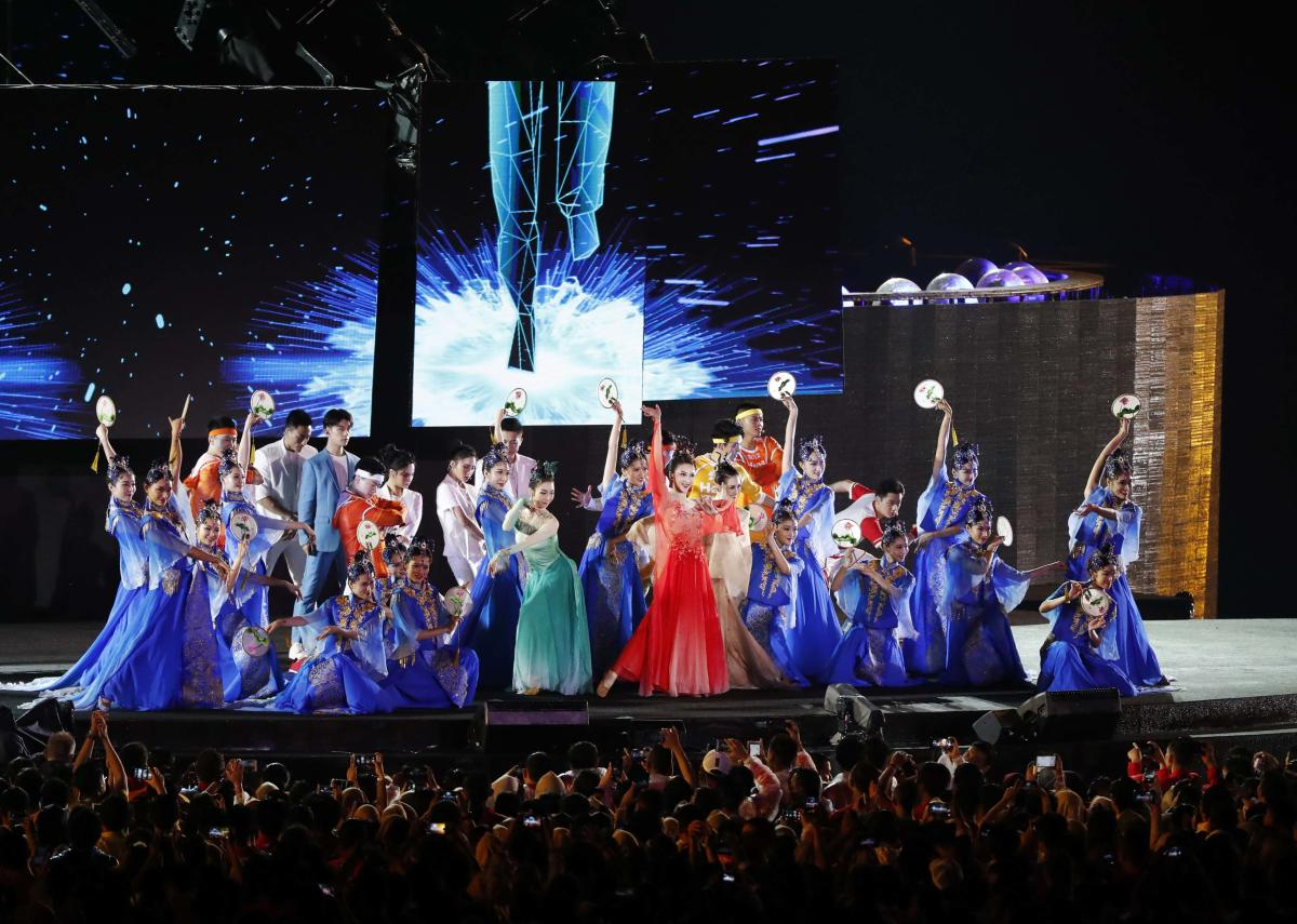 Artists perform during the closing ceremony of the Asian Games in Jakarta. Reuters