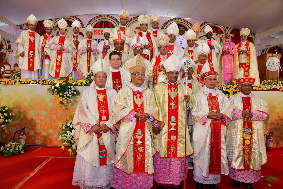 Mangalore Diocese Bishop Most Rev Dr Peter Paul Saldanha seen along with Archbishops and Bishops after getting ordained as the Bishop of Mangalore Diocese at Rosario Cathedral in Mangaluru on Saturday.