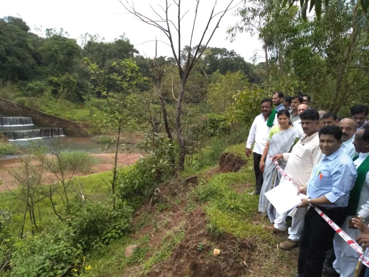 Water Resource Minister D K Shivakumar inspects Kalasa Banduri project site on Wednesday. DH photo.