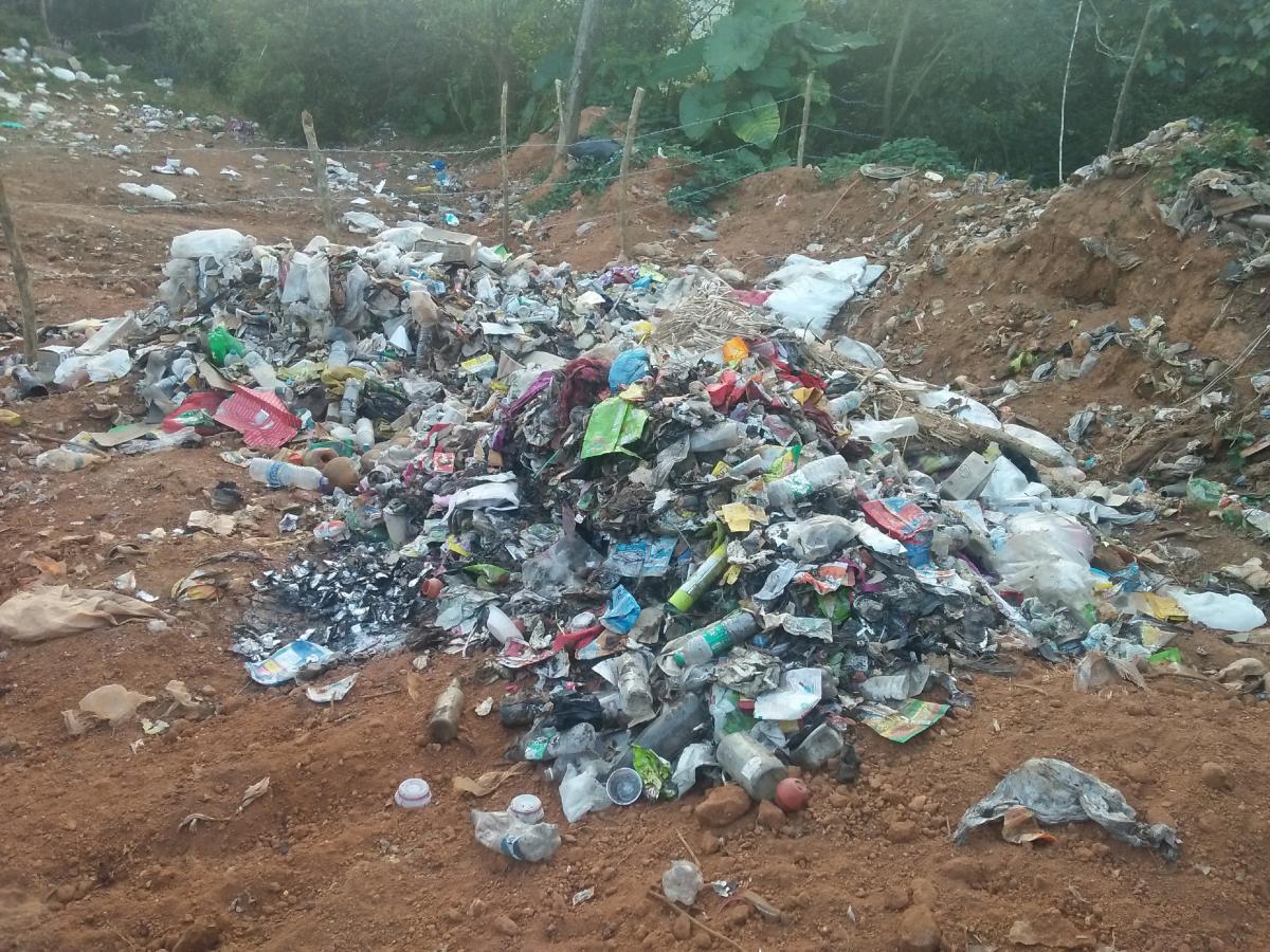 Garbage dumped at Bhagamandala.