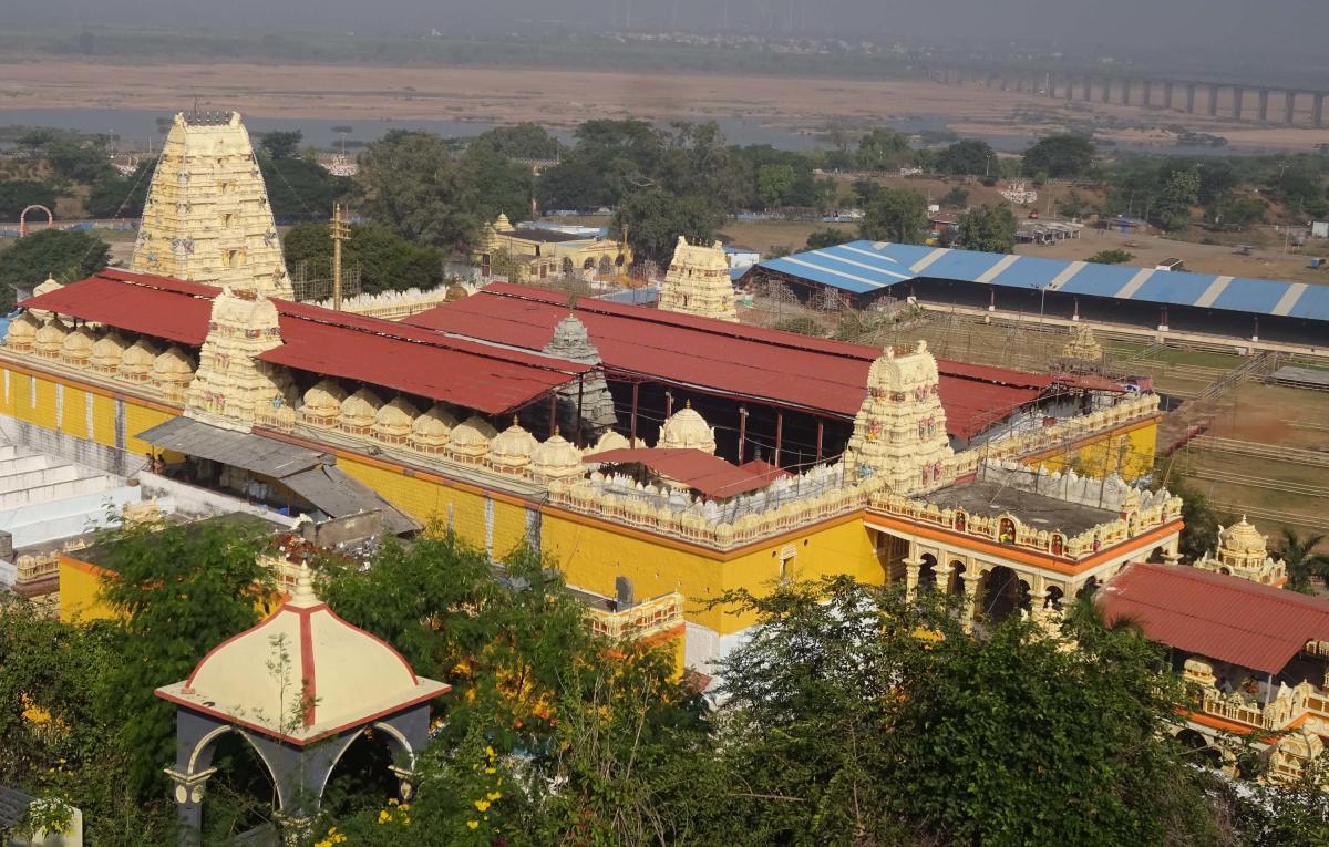 Sri Sita Ramachandraswamy Temple in Bhadrachalam in Khammam district in Telangana. DH photo