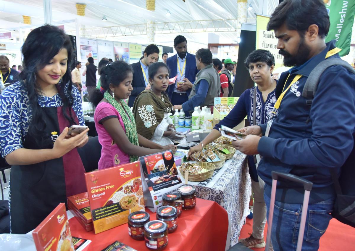 Visitors at the Organics and Millets 2019 International Trade Fair at Palace Grounds on Friday. DH Photo/Janardhan B K