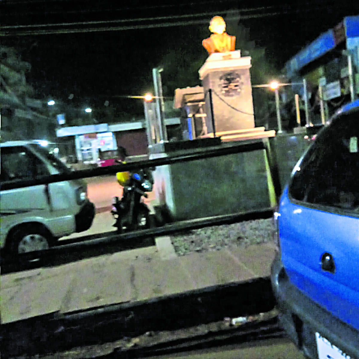 The illuminated bust of Late Dr Kurunji Venkataramana Gowda at the private bus stand in Sullia.