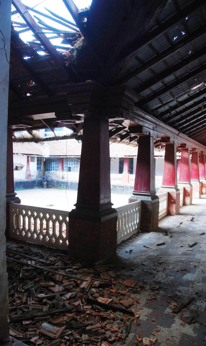 The collapsed roof of the palace in the fort premises in Madikeri.