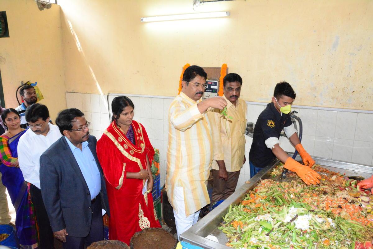 Former DyCM R Ashoka inaugurates the upgraded biogas plant at Yediyur lake in Bengaluru South on Saturday.