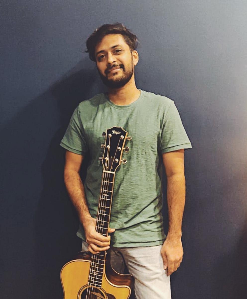 Karan Kulkarni holds a Bachelor's degree in music from Australia.
