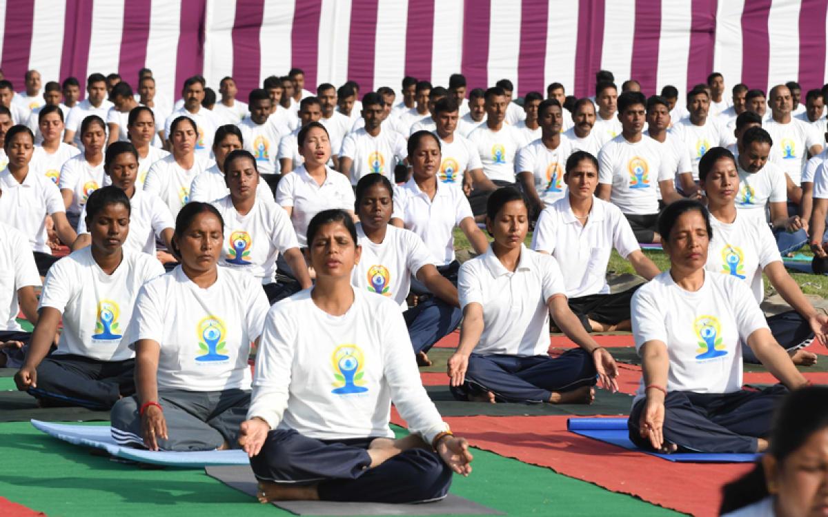 Fifth International Yoga Day Celebrated In Kashmir Deccan Herald