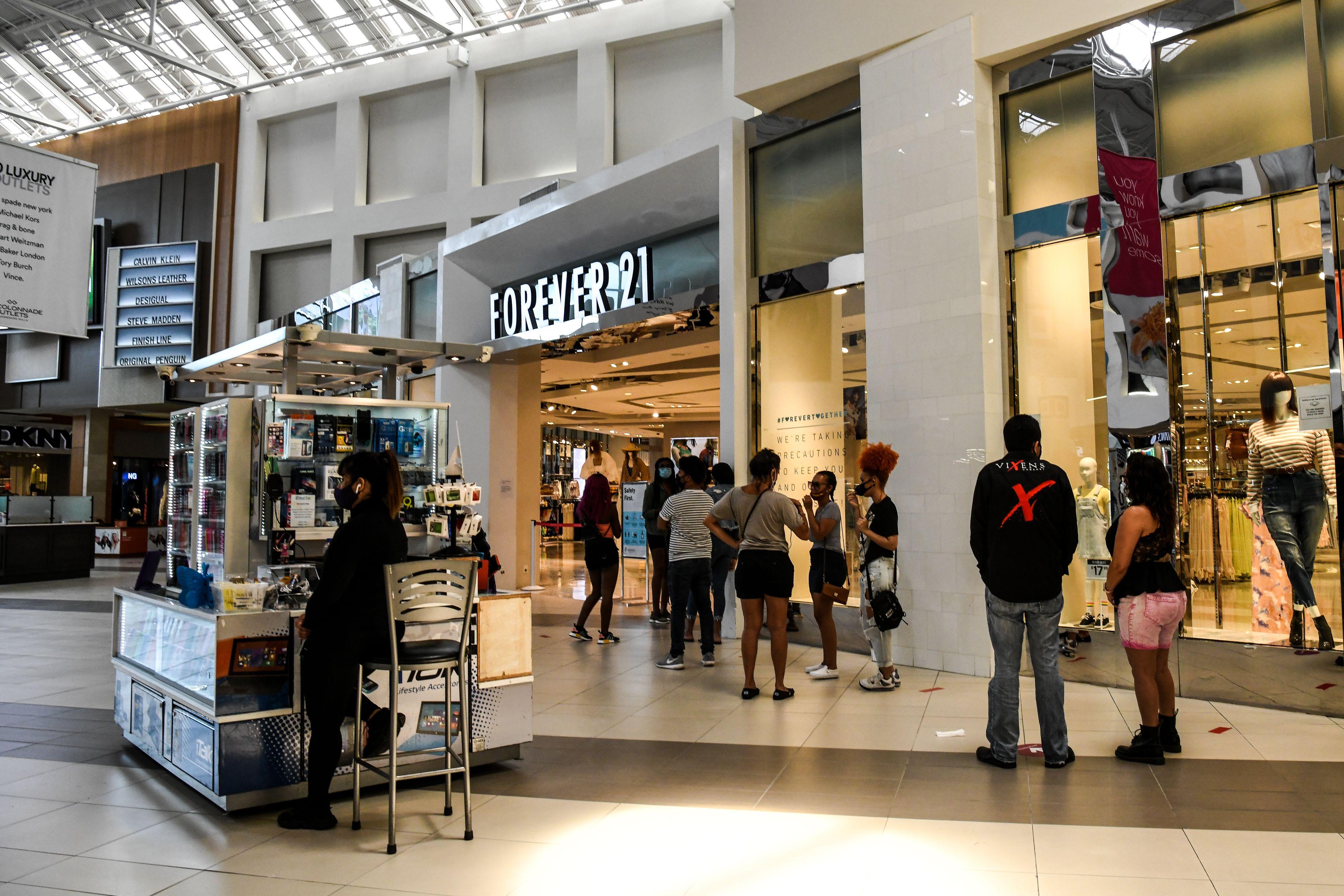 COVID-19 deal US malls a mortal blow