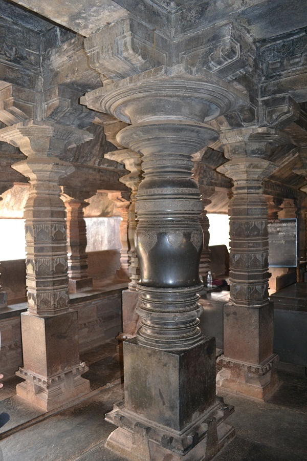 Stone pillars in Madhukeshwar Temple