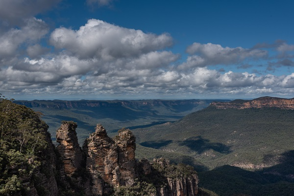 The glorious blue mountains