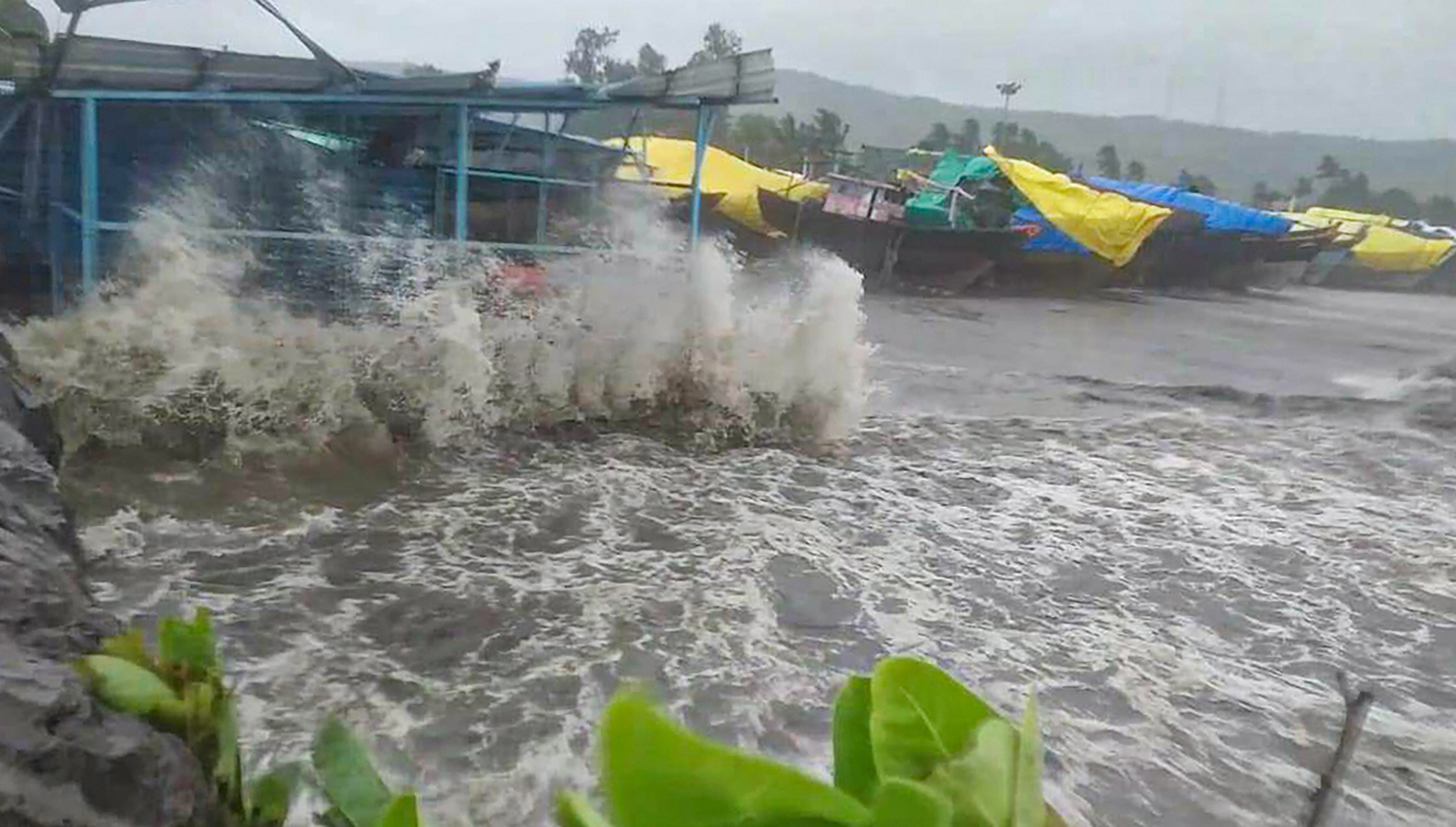 No major impact in Gujarat after 'Nisarga' makes landfall in ...